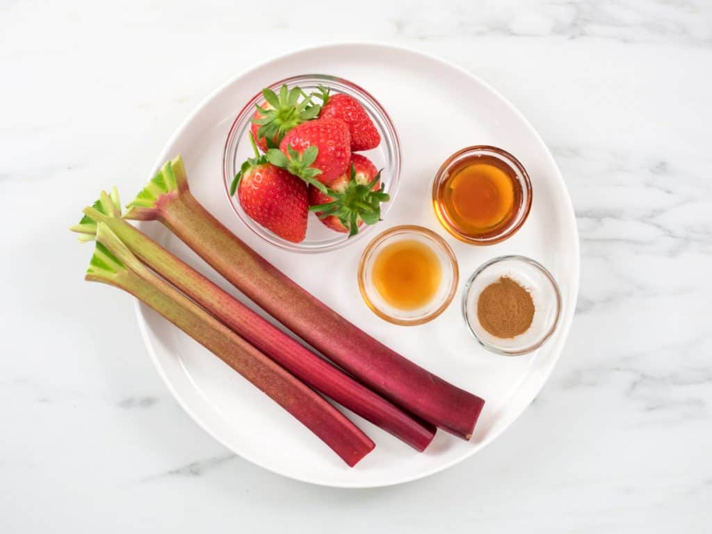strawberry rhubarb coulis ingredients