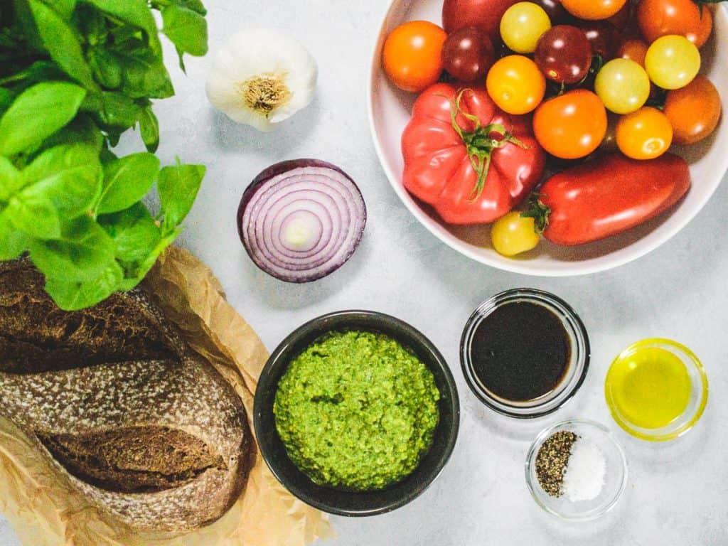 Tomato bruschetta ingredients