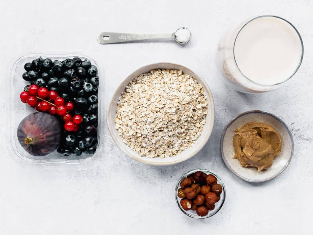 Hazelnut porridge ingredients